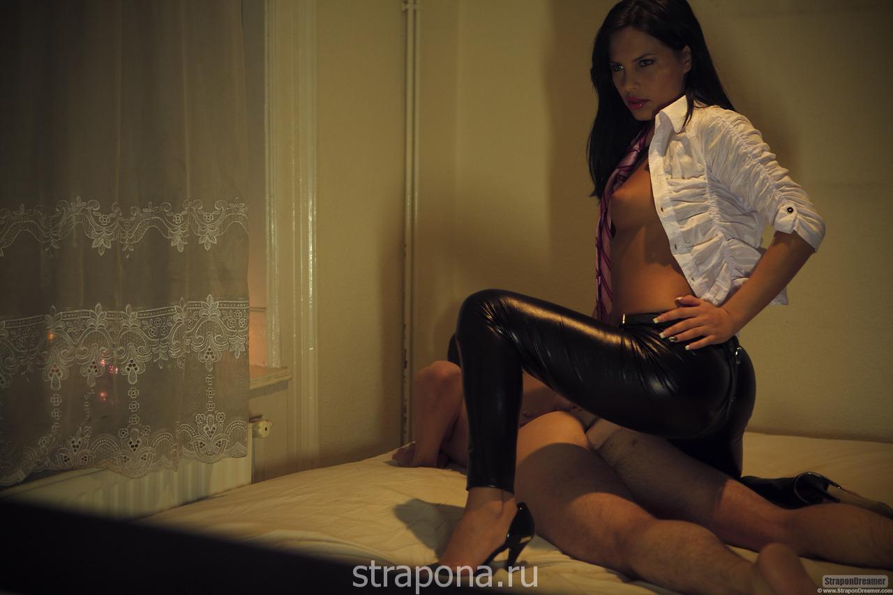 Страпон » куколд онлайн порно, русская жена изменяет мужу ...